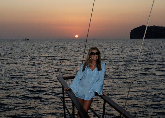 Santorini_Island_Greece_Volcano_Cruise Santorini Athens Volcano Cruise