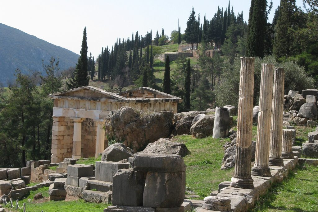 delphi_greece_arhcaeological_site_02