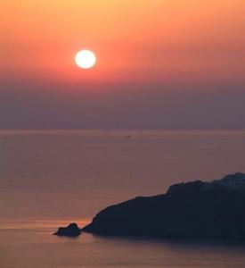 Santorini_Island_Greece_13